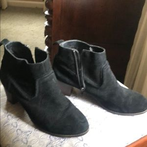 Mossimo black suede booties 10